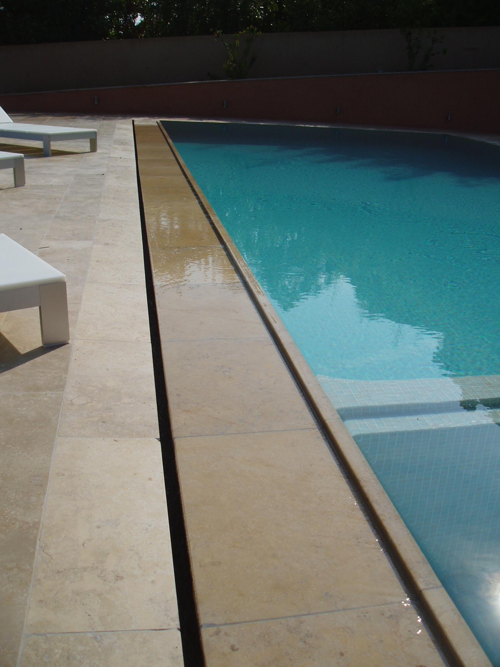 r alisation d 39 une margelle de piscine miroir villa priv e