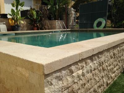 Margelles de piscine for Margelle piscine miroir