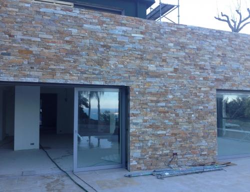 Réalisation d'unHabillage de mur en parements Quartzite