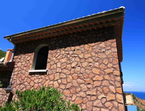 Réalisations d'habillages de mur en parements pierre «Estérel»